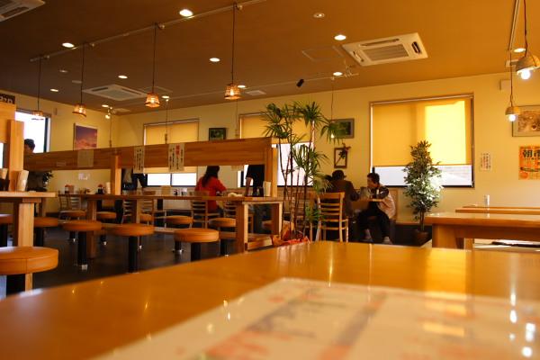 テーブル・カウンター・座敷