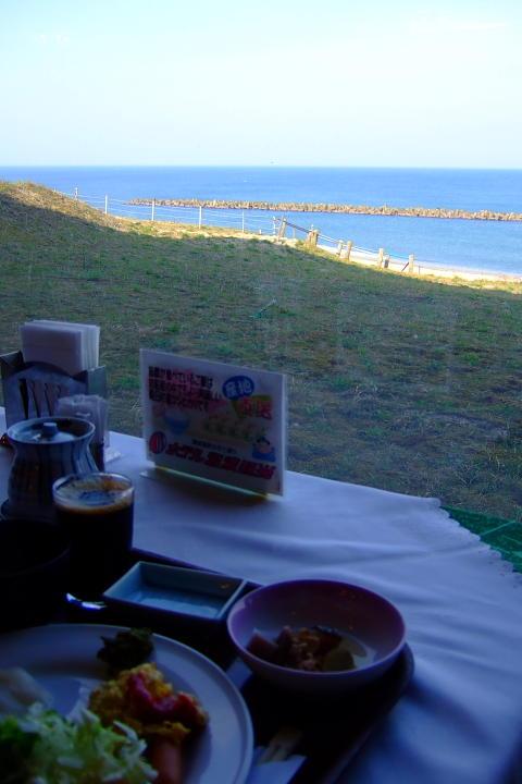 ホテル瀬波観光の朝食バイキング