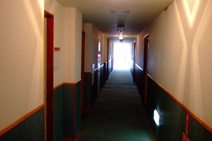 ホテル瀬波観光の内部。綺麗です。