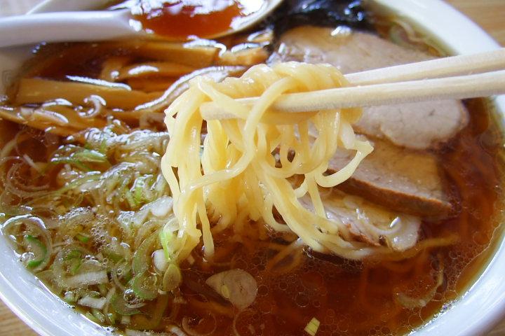 山椒のラーメンの麺