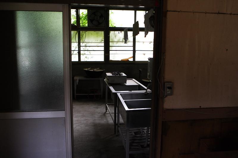 大暮山分校調理室。給食をありがたく食べた生徒も多かった事でしょう。