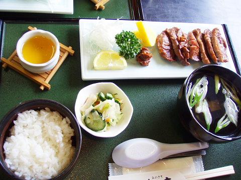 味乃吉の牛タン定食
