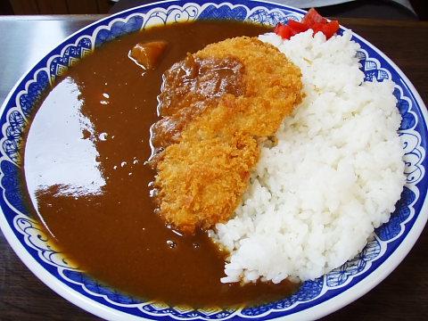 武蔵のカツカレー300円。素晴らしい。