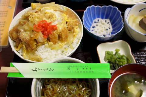 土佐のカツ丼大盛り750円