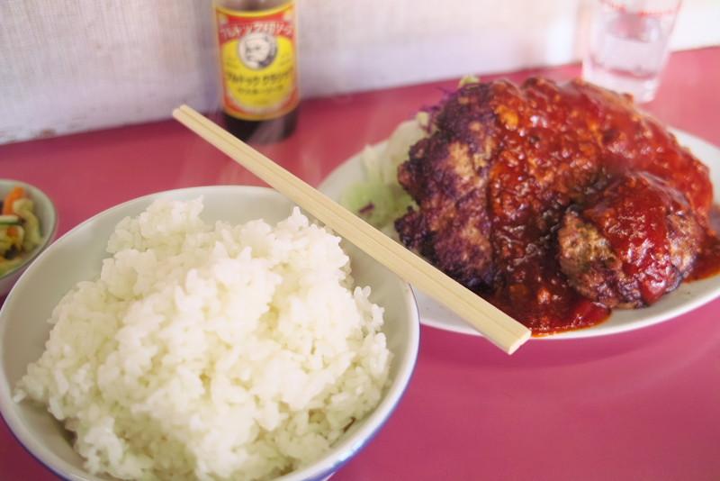 大王食堂のジャンボハンバーグ定食。