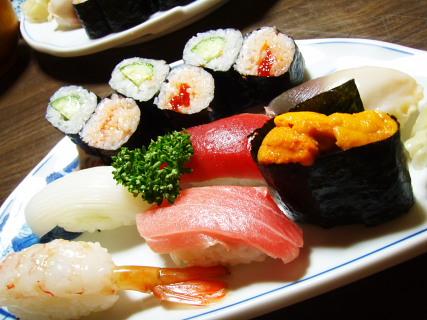 阿古耶寿司さんの握り。しっとりしてウマウマです。