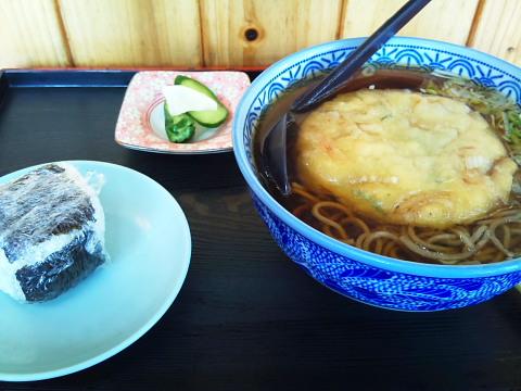 ちょめちょめべえの天ぷら蕎麦セット