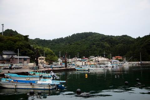 竹浦漁港をのぞむ。