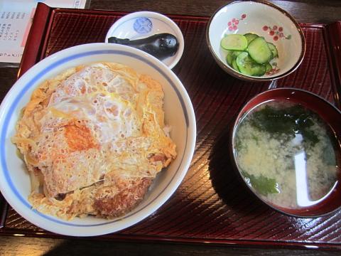 セノ食堂のカツ丼