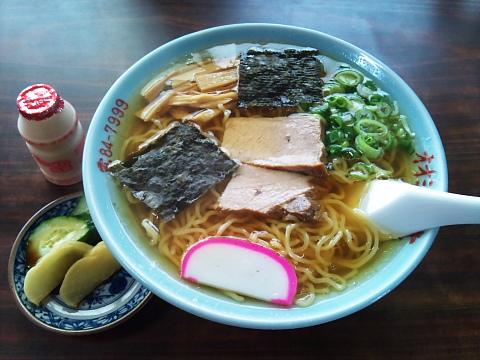 オオミヤ食堂 中華そば600円 スープが綺麗