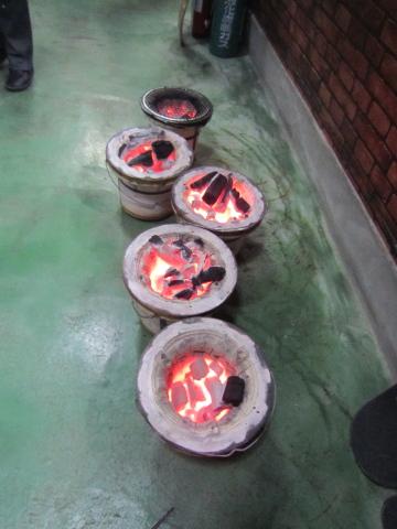 焼肉あびこ 炭火が熱い
