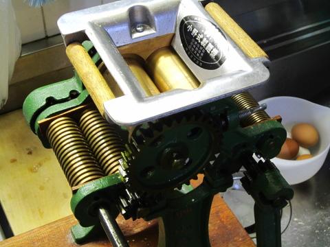 小野式製麺機 今は生産中止になっています。
