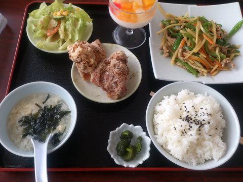 美香居の青椒肉絲定食 880円 なかなかお買い得