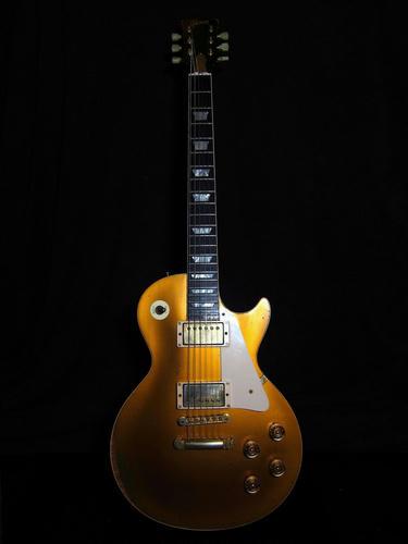 Gibson_Custom_Shop_HISTORIC_57LesPaul_Reissue_GoldTop.jpg