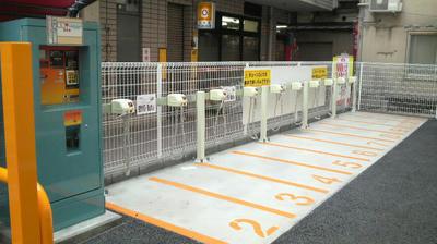 銀座バイク駐車場