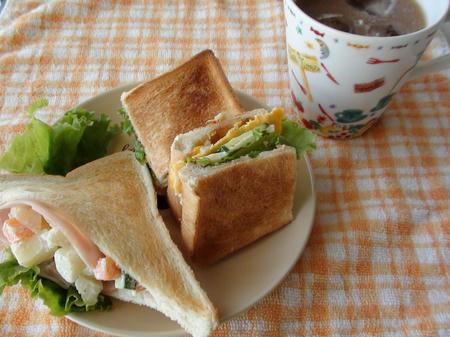 朝食・ポケットサンド