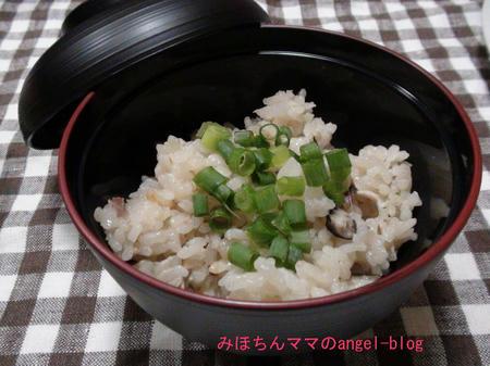 土鍋で秋刀魚ご飯