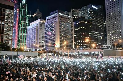 香港人権法,報復,中国外務省,米国,対抗措置,非政府組織,NGO,米艦艇,香港,寄港,乗り物