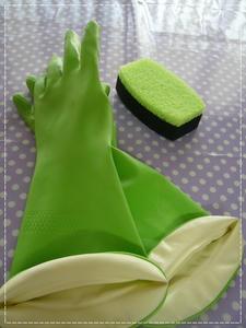 手袋とスポンジ