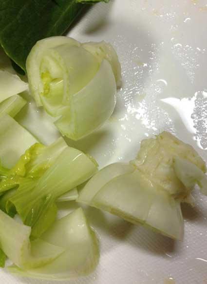 ちんげん菜の芯もスムージーに。
