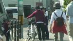 警察官の自転車の取り締まり