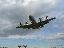 飛行機10