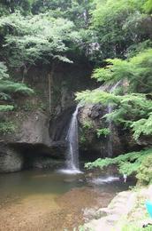 月待ちの滝3