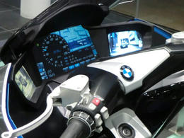 BMW10