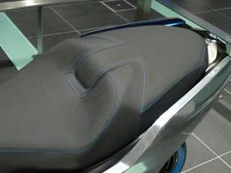 BMW12