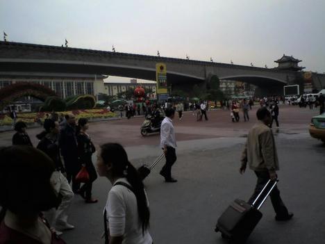西安駅前広場
