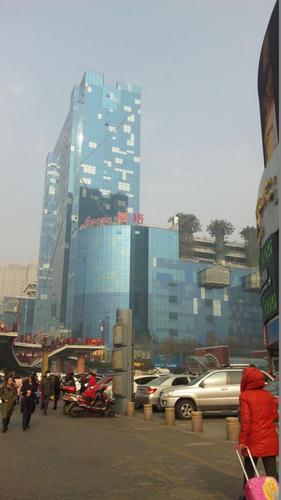 西安の新中心街、賽格国際購物広場