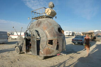mutant-vehicles-at-burning-man.jpg