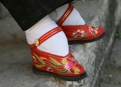 chinesetinyshoes2.jpg