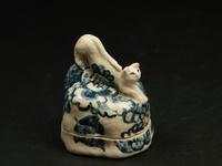 呉須絵石上のび猫宝物入れ