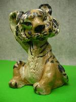 虎の置物「うつろな耳かき」