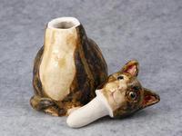 家鴨窯211号 佇む香水瓶猫