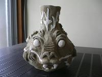 三顔花瓶や龍小平皿やら。。作陶中!