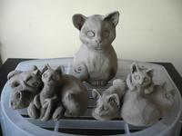 11月の「十猫十色チャリティー猫だらけ展」へ作陶中