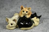 家鴨窯279号 3匹の群れ猫(ちゃりてぃ猫だらけ展)