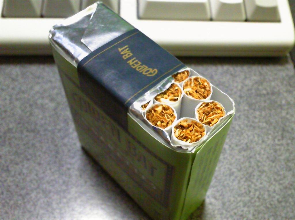 PR taka weblog GOLDEN BAT [ゴールデンバット] を吸ってみた。