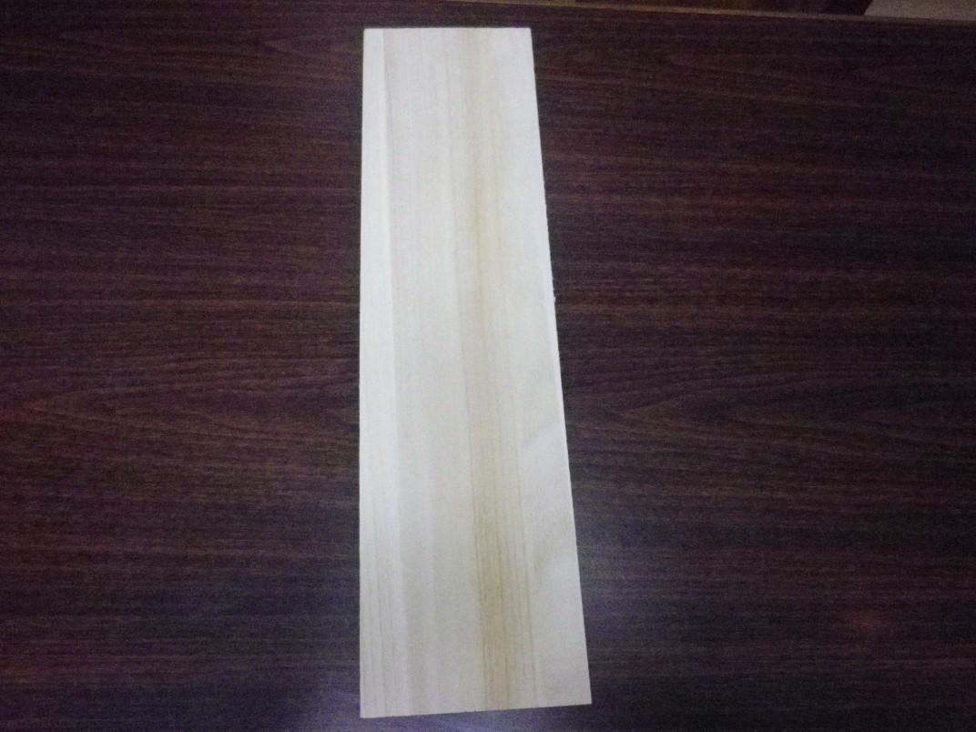 桐の板(幅150mm、厚さ9mm)