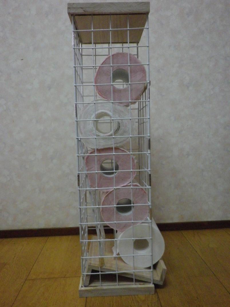 完成したトイレットペーパーストッカー(横から見たところ)