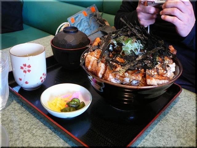 特製豚ロース丼(大盛り)