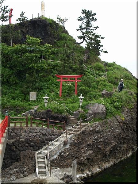 岩肌に造られた階段