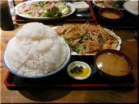 特盛り肉キムチ野菜炒め定食(特特盛り)