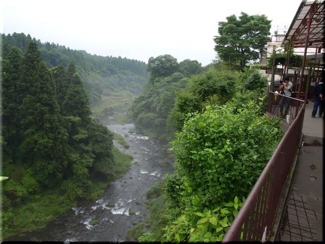 音止の滝・下流