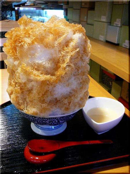 ほうじ茶あずき(氷たっぷり・ミルク)