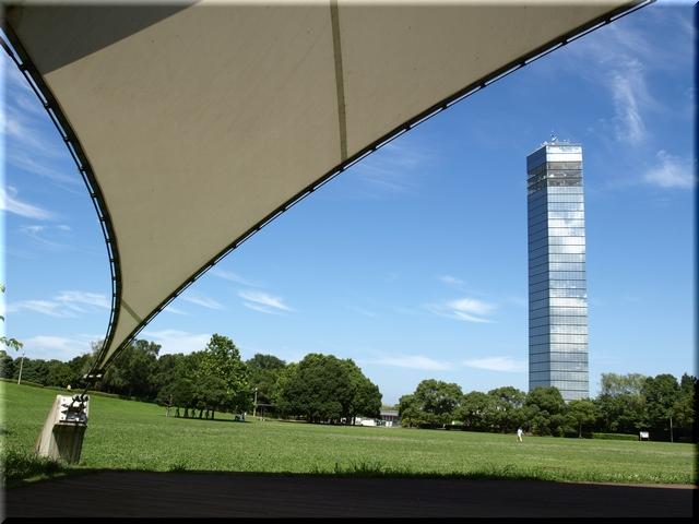 屋外ステージ&円形芝生広場