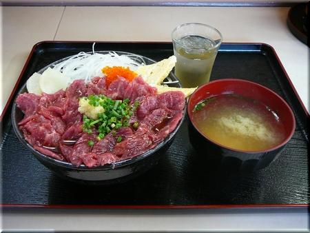 甲州名物馬刺丼(大盛り)