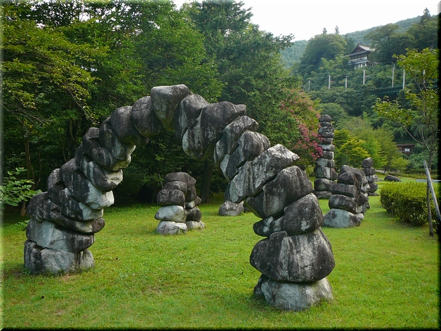 石の森&JR中央本線&臨川寺